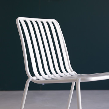 Chaise en métal Gaby white